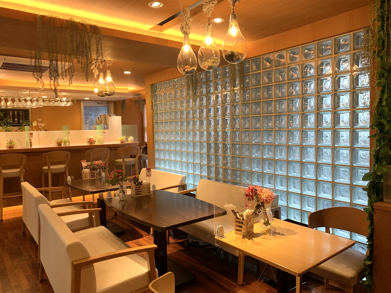 カフェ「Tokyo Orchard」の店内風景